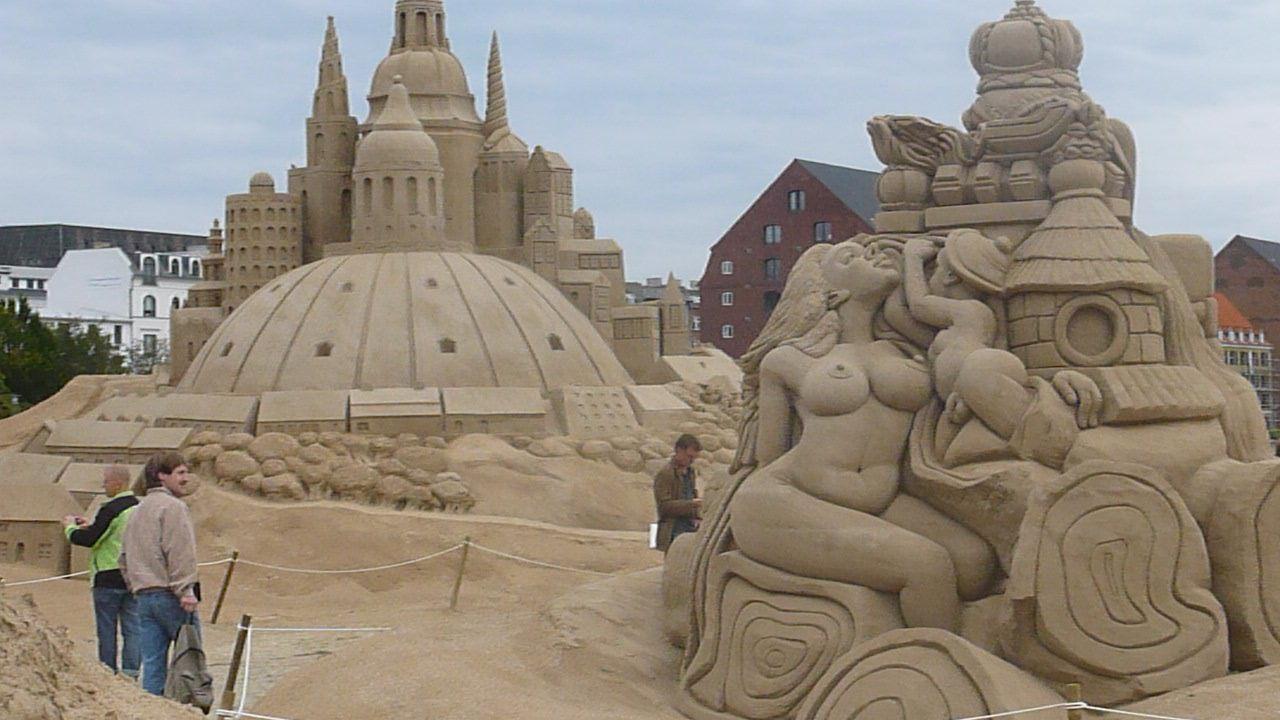 Nude sand castles
