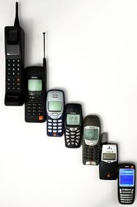 220px-Mobile_phone_evolution