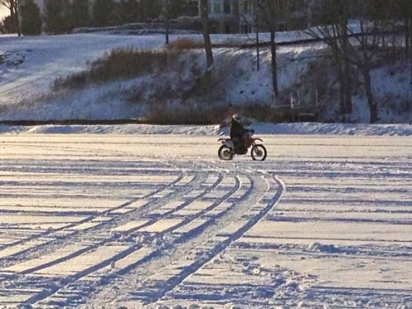 Motoring on Minnetonka