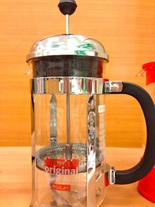 french press with plunger