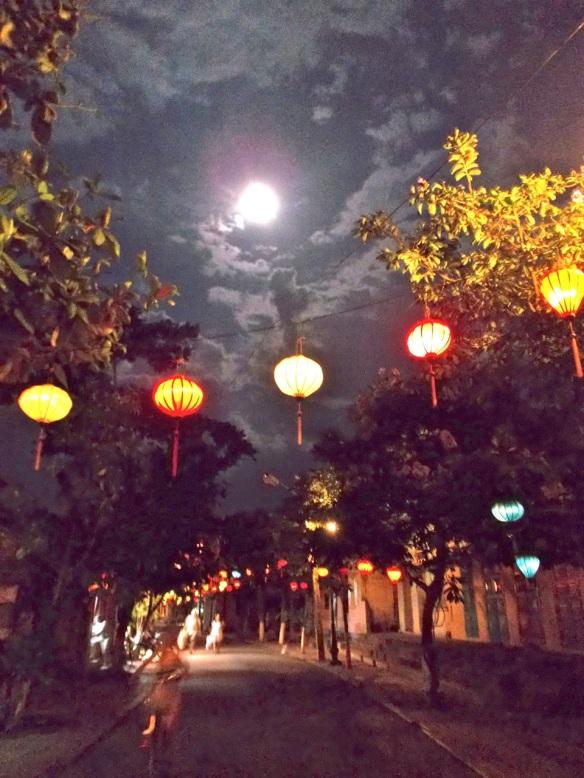 A quiet Hoi An street.
